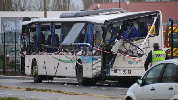 Bus scolaire accidenté à Rochefort, 11/2/16