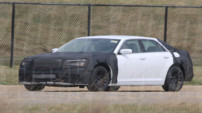Chrysler 300C spyshot 2010