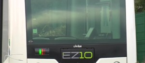 Les Alpes-Maritimes expérimentent l'EZ10, un mini bus sans chauffeur