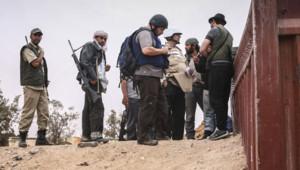 Steven Sotloff, le 2 juin 201, avec des rebelles libyens près de Misrata.