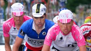 Bjarne Riis, Laurent Jalabert et Jan Ullrich, tous trois positifs à l'EPO lors du Tour de France 1998