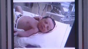TF1/LCI - Photo du bébé de 18 jours enlevé à l'hôpital de Montfermeil et retrouvé le 13 janvier 2007