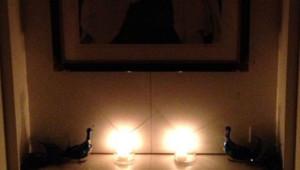 Coupure d'électricité à New York, une photo des bougies allumées par Alicia Keys et Swiss Beatz, son mari, publiée sur Twitter