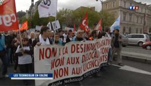 Les salariés de Technicolor manifestent, le 24 avril 2012, pour sauver leur usine, menacée de délocalisation.