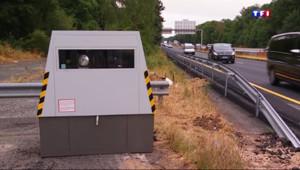 Le 13 heures du 21 juillet 2015 : 2500 flashes par jour, le radar le plus actif de France se situe en Seine-et-Marne - 743