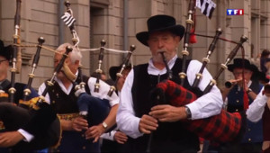 Le 13 heures du 27 juillet 2015 : Festival de Cornouaille : le défilé en fête, la Bretagne - 1731