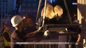 Les tyrannosaures de Jurassik Park envahissent Paris