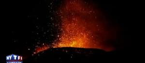 L'Etna se réveille, des panaches de cendres violemment projetés dans le ciel