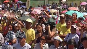 Climat : à Guiuan, Hollande s'engage à réussir la conférence sur le climat