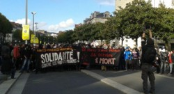 """Manifestation à Nantes le 1er novembre contre """"les violences policières"""" six jours après la mort de Rémi Fraisse, le militant écologiste opposé au barrage de Sivens."""