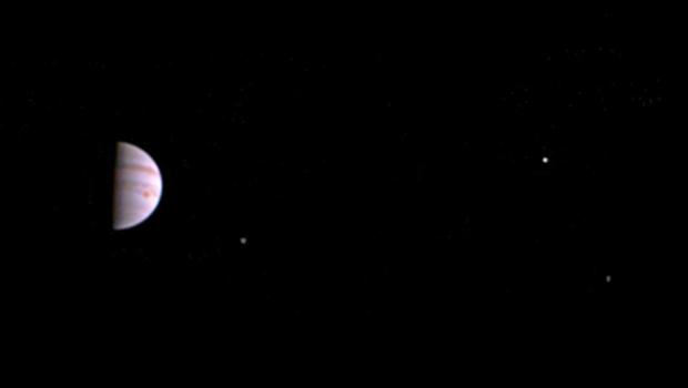 La première photo envoyée par la sonde Juno en juillet 2016.