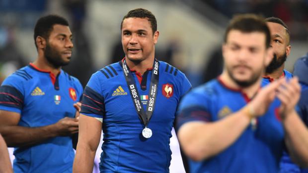 Le capitaine de l'équipe de France de rugby Thierry Dusautoir après la victoire face à l'Italie 0-29 dans le cadre du Tournoi des Six nations le 15 mars 2015