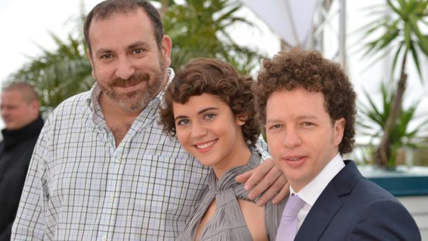"""L'équipe du film mexicain """"Despues de Lucia"""", de Michel Franco (à droite), vainqueur du prix de la sélection """"Un certain regard"""" à Cannes."""