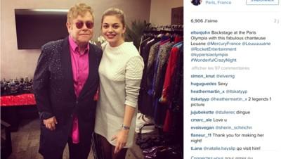 Elton John et Louane après un concert du chanteur anglais le 6 février 2016 à l'Olympia