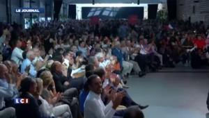 La Rochelle : Valls inflexible malgré les sifflets