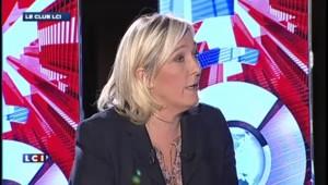 """Le Pen : """"Le rêve européen qu'on nous a vendu s'effondre sur la réalité que vit la Grèce"""""""