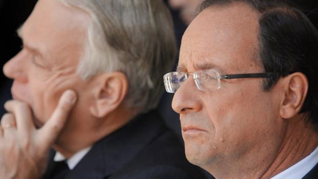 François Hollande, avec Jean-Marc Ayrault, à Paris le 22 juillet 2012