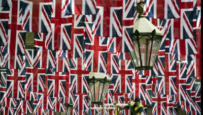 Drapeaux déployés dans le centre de Londres avant le Jubilé de Diamant de la reine Elizabeth II, 31/5/12
