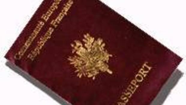 passeport français (DR)