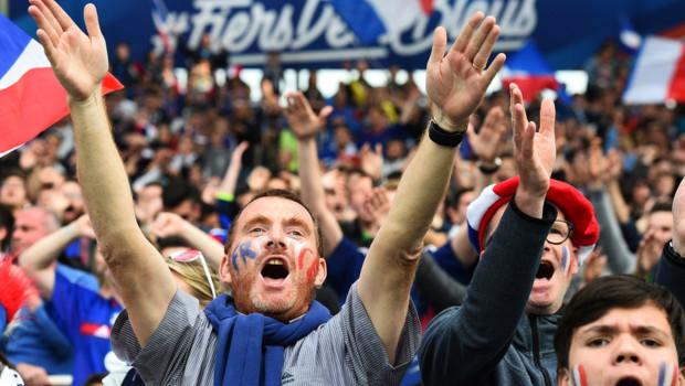 Antoine Griezmann dédicace Drake après un but à l'Euro 2016 !