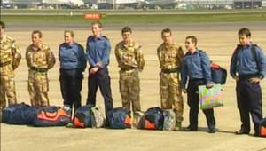 TF1/LCI - Retour à Londres des 15 marins britanniques capturés par l'Iran, le 5 avril 2007