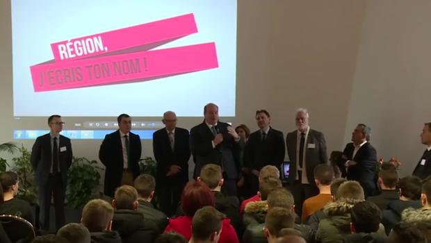 Consultation lycéenne à Cambrai pour trouver un nouveau nom à la région Nord-Pas-de-Calais.