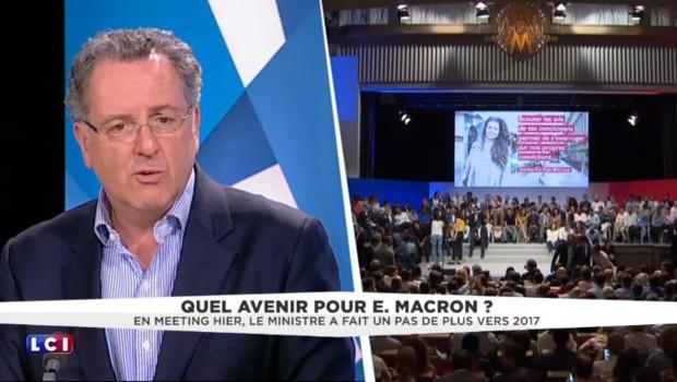 """Macron : """"Aussi longtemps que le Président considère qu'il est à sa place, il doit continuer"""""""