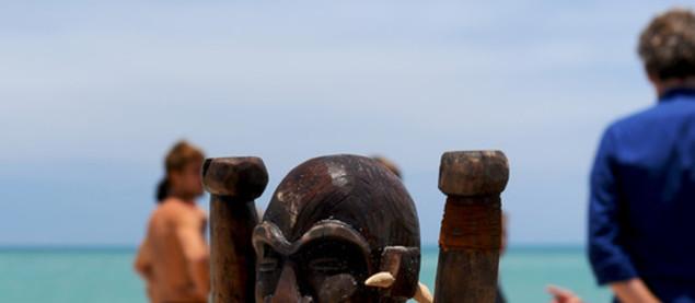 Aujourd'hui, le totem revêt une importance encore plus capitale : celui qui l'emportera sera automatiquement qualifié pour la finale - Koh-Lanta, le Choc des Héros