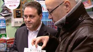 TF1-LCI : Xavier Bertrand, le 1er décembre 2006, lors de la Journée mondiale contre le Sida