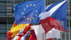 TF1/LCI : Drapeaux d'Etats membres de l'UE