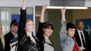 Arrivée des Femen à Orly en France