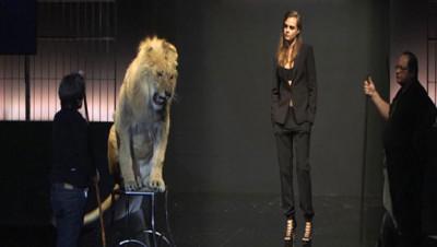 cara delevingne lion fashion week paris