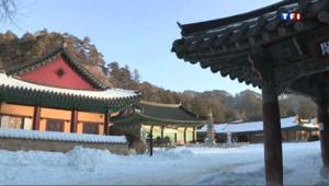 En Corée du Sud, la beauté des temples boudistes recouverts par la neige