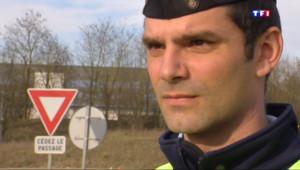 Le 20 heures du 14 mai 2015 : Aymeric, consultant en marketing... et réserviste dans la gendarmerie - 1372