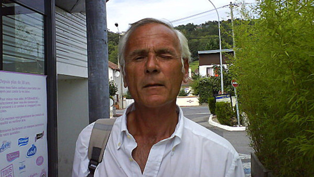"""La photographie de Matteo Schaub alias """"Max le Suisse"""" prise par un automobiliste en 2007 et postée sur le site StopperMaxleSuisse"""