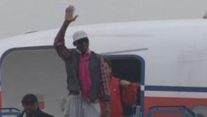 Le basketteur Dennis Rodman à son arrivée à l'aéroport de Pékin