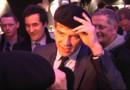 Après la marinière, Arnaud Montebourg pose avec un béret, le 10 avril 2013.