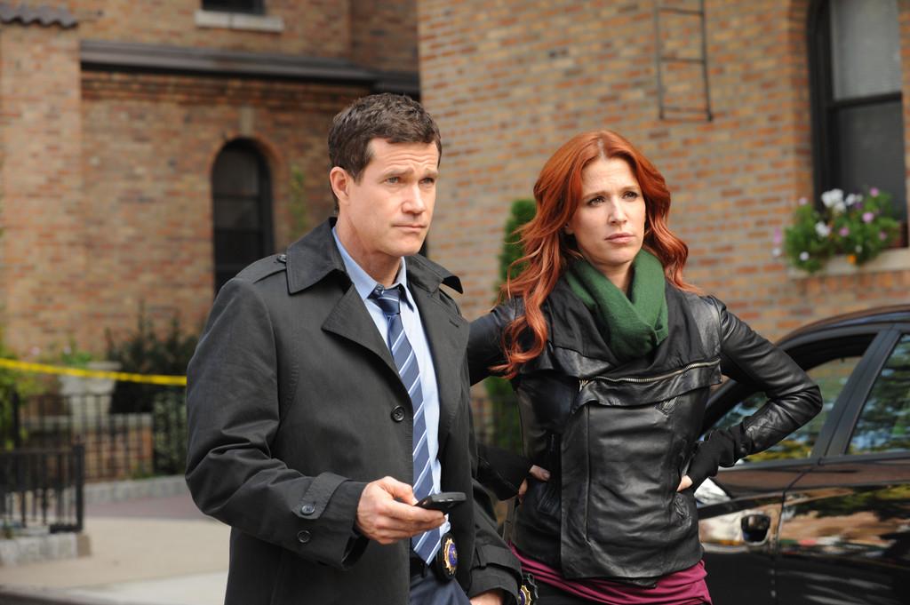 Dylan Walsh et Poppy Montgomery dans Unforgettable - Saison 01 Episode 09