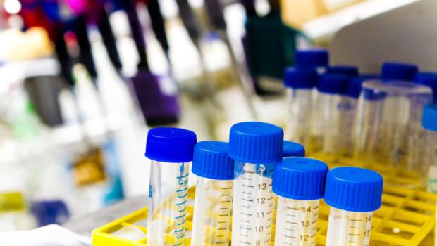 Médecine maladie sciences cancer hôpital tubes à essai