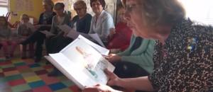 """Portrait de retraité (3/5) : Maryse, """"Mamie lecture"""" emballe les tout-petits"""