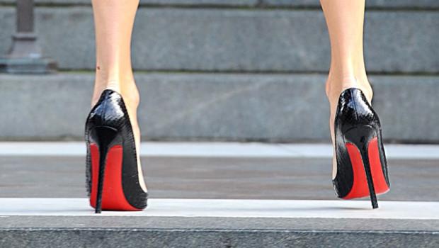 793819ff0a58f ... le créateur français mondialement connu va lancer fin 2013 une ligne de  produits de beauté. A l image de ses chaussure, ses produits seront haut ...