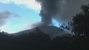 Le volcan Chaparrastique, situé dans l'est du Salvador, est entré en éruption.