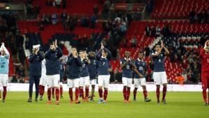 Angleterre-France - Wembley Stadium - Hommage des Bleus