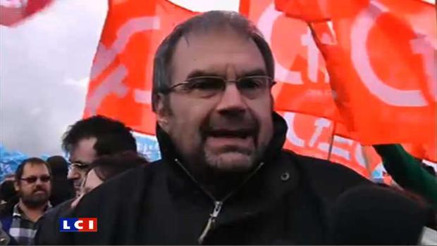 Le leader de la CFDT, François Chérèque, en tête du cortège d'une manifestation (archives)
