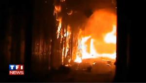 VIDEO : Le souk historique d'Alep détruit par les flammes