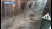 Le 13 heures du 18 septembre 2014 : Intemp�es : le torrent dans les rues de Saint-Laurent-le-Minier film�ar des habitants - 324.540498840332