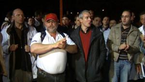 Salariés de Faurecia lors d'une soirée de séquestration de cadres dirigeants de leur entreprise (9 avril 2009)