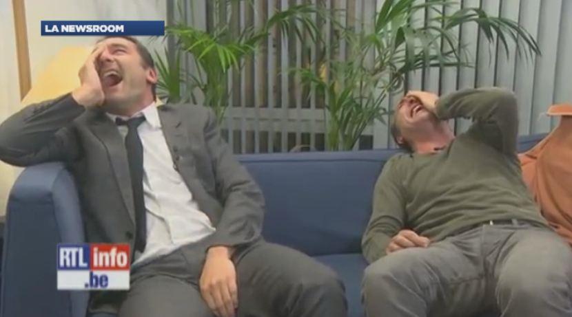 Le fou rire de jean dujardin et gilles lellouche en pleine for Dujardin rire