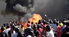 Le 20 heures du 30 octobre 2014 : Manifestations au Burkina Faso : Etat de si� d�� - 939.553