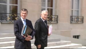 Jean-Marc Ayrault et Jérôme Cahuzac, le ministre délégué au budget, à la sortie du Conseil des ministres après la présentation du collectif budgétaire le 4/07/2012.